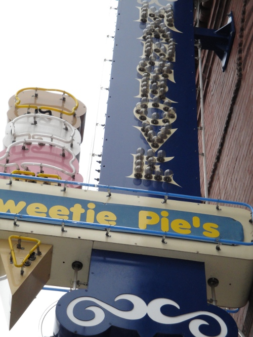 Triple D: Sweetie Pie's